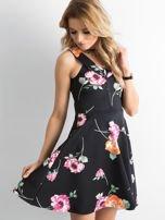 Czarna sukienka z kolorowym printem                                  zdj.                                  1
