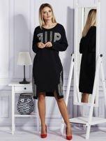 Czarna sukienka z perełkami i dżetami                                  zdj.                                  4