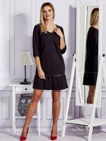 Czarna sukienka ze skórzanymi lamówkami                                  zdj.                                  4