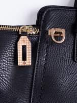 Czarna torba na ramię z dekoracyjnym suwakiem                                  zdj.                                  7