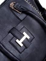 Czarna torba z tłoczonej skóry ze złotymi detalami                                  zdj.                                  10