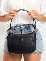 Czarna torebka z ażurową kieszenią                                  zdj.                                  2