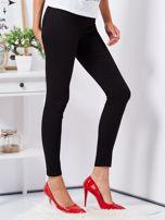 Czarne dopasowane spodnie high waist                                  zdj.                                  5