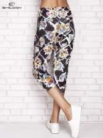Czarne spodnie capri z kwiatowym motywem                                  zdj.                                  2