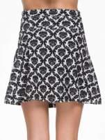 Czarno-biała trapezowa spódnica w ornamentowy wzór roslinny                                  zdj.                                  5