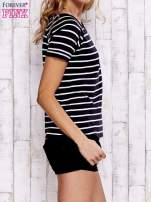 Czarno-biały t-shirt w paski                                  zdj.                                  3
