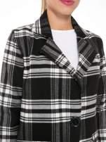 Czarno-biały wełniany płaszcz w kratę zapinany na jeden guzik                                  zdj.                                  6