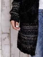 Czarny długi włochaty sweter z kolorową nitką                                  zdj.                                  6