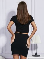 Czarny dresowy komplet z ozdobnym wykończeniem kieszeni                                  zdj.                                  2