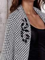Czarny melanżowy sweter z biżuteryjną aplikacją                                                                          zdj.                                                                         8