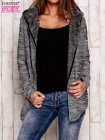 Czarny melanżowy sweter z kapturem                                  zdj.                                  1