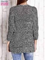 Czarny melanżowy sweter z otwartym dekoltem                                                                          zdj.                                                                         4