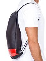 Czarny plecak worek z czerwoną wstawką                                  zdj.                                  2
