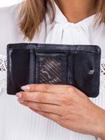 Czarny portfel w tłoczone motyle                                   zdj.                                  4