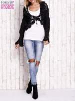 Czarny sweter o szerokim splocie z wiązaniem                                  zdj.                                  2