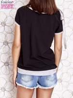 Czarny t-shirt z kokardą