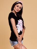 Czarny t-shirt z kolorowym kwiatowym nadrukiem                                  zdj.                                  6