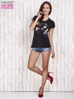 Czarny t-shirt z nadrukami                                  zdj.                                  2