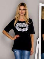 Czarny t-shirt z nadrukiem ust                                  zdj.                                  1