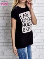 Czarny t-shirt z napisem I AM CHOCOHOLIC BABY                                  zdj.                                  3