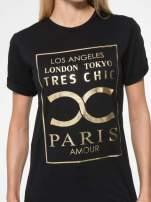 Czarny t-shirt z nazwami stolic mody