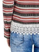 Czerwona bluza w azteckie wzory z koronką                                  zdj.                                  6
