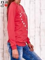 Czerwona bluza z wzorem serca