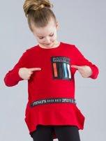 Czerwona bluzka dziewczęca z aplikacjami                                  zdj.                                  1