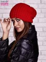 Czerwona czapka z dużym pomponem                                  zdj.                                  2