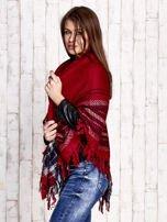 Czerwona dzianinowa chusta z frędzlami                                  zdj.                                  2