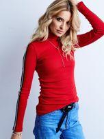 Czerwona prążkowana bluzka z golfem                                  zdj.                                  1