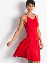 Czerwona rozkloszowana sukienka z dekoltem typu bokserka                                  zdj.                                  8