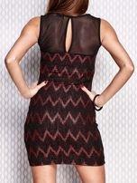 Czerwona sukienka w geometryczne wzory                                  zdj.                                  2