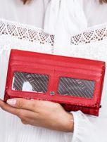 Czerwony cieniowany lakierowany portfel w motyle                                  zdj.                                  4