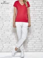 Czerwony t-shirt sportowy z dekoltem V-neck PLUS SIZE                                  zdj.                                  2
