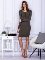 Dopasowana sukienka z wiązanym dekoltem khaki                                  zdj.                                  4
