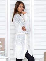 Ecru ażurowy długi sweter typu kardigan z paskiem                                  zdj.                                  2