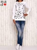 Ecru bluza z kwiatowym nadrukiem