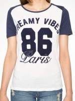 Ecru-granatowy t-shirt z napisem DREAMY VIBES 86 PARIS                                                                          zdj.                                                                         7