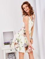 Ecru rozkloszowana sukienka w malarskie roślinne wzory                                  zdj.                                  11