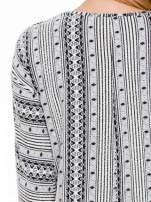 Ecru swetrotunika w azteckie wzory z ozdobnym suwakiem                                                                          zdj.                                                                         7