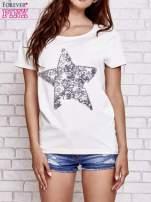 Ecru t-shirt z gwiazdą z cekinów                                                                          zdj.                                                                         1