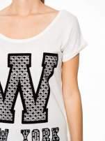 Ecru t-shirt z nadrukiem NEW YORK i koronkowym pasem na plecach                                  zdj.                                  6