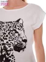 Ecru t-shirt z nadrukiem leoparda                                  zdj.                                  4