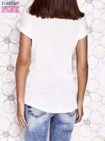 Ecru t-shirt z napisem LOVE i ażurowymi rękawkami                                  zdj.                                  2