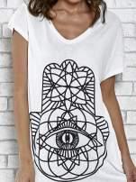Ecru t-shirt z ornamentowym nadrukiem                                  zdj.                                  5
