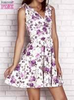 Fioletowa rozkloszowana sukienka w kwiaty                                                                          zdj.                                                                         1