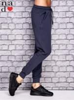Grafitowe spodnie dresowe z zasuwaną kieszonką                                  zdj.                                  2