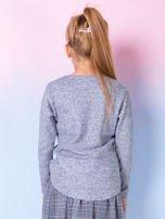 Granatowa bluza dla dziewczynki z literą                                  zdj.                                  3