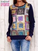 Granatowa bluza z graficznym nadrukiem                                  zdj.                                  1